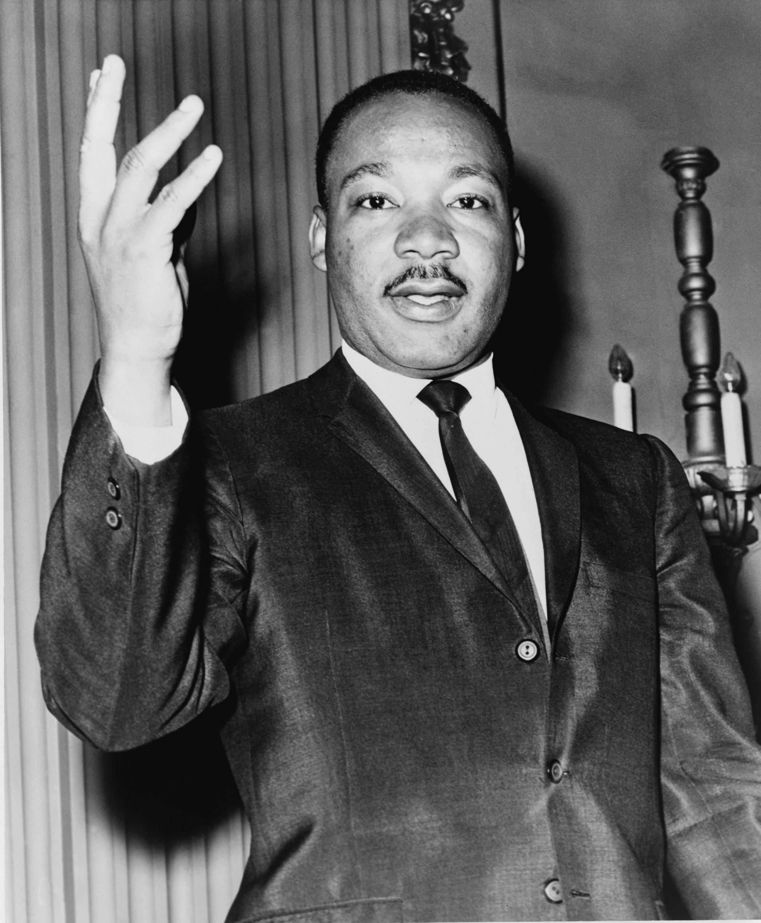 the life and contributions of martin luther king jr to the civil rights movement in america As the leader of the nonviolent civil rights movement of the 1950s and 1960s, martin luther king jr traversed the country in his quest for freedom his involvement in the movement began during the bus boycotts of 1955 and was ended by an assassin's bullet in 1968 as the unquestioned leader of the.